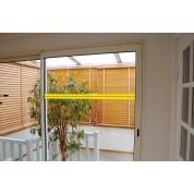 Ruban adhésif photoluminescent pour repérage des surfaces vitrées